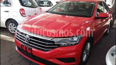 Foto Volkswagen Jetta Comfortline Tiptronic usado (2019) color Rojo precio $258,900