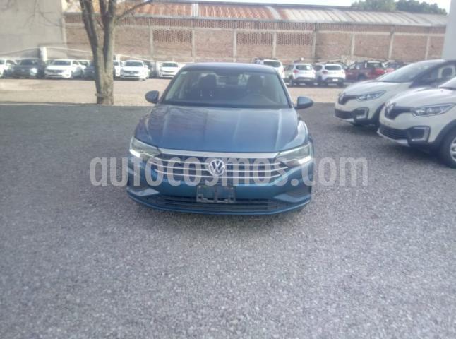 Foto Volkswagen Jetta 4P CONFORTLINE L4/1.4/T AUT usado (2019) color Azul precio $290,000