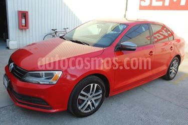 Volkswagen Jetta Live usado (2016) color Rojo precio $185,000