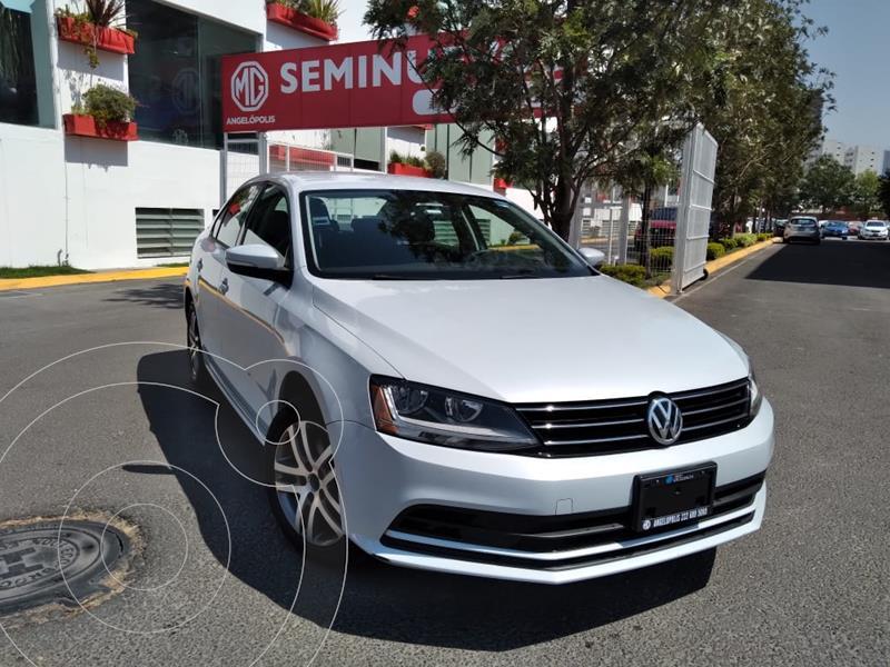 Foto Volkswagen Jetta Trendline 2.0 Aut usado (2017) color Blanco Candy precio $225,000