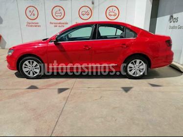 Volkswagen Jetta 4p Comfortline L5/2.5 Aut usado (2018) color Rojo precio $265,000