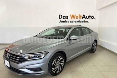 Volkswagen Jetta 4p Highline L4/1.4/T Aut usado (2019) color Plata precio $344,499