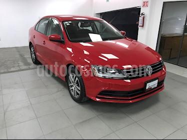 Volkswagen Jetta Trendline usado (2018) color Rojo precio $236,000