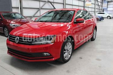 Volkswagen Jetta 4p Comfortline L5/2.5 Aut usado (2018) color Rojo precio $229,900