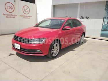 Volkswagen Jetta 4p Sportline L5/2.5 Aut usado (2018) color Rojo precio $300,000