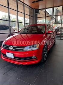 Foto Volkswagen Jetta Comfortline usado (2016) color Rojo Tornado precio $192,000