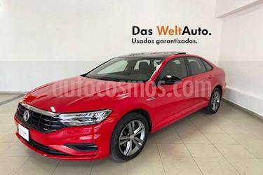 Volkswagen Jetta 4p R-Line L4/1.4/T Aut usado (2019) color Rojo precio $349,915