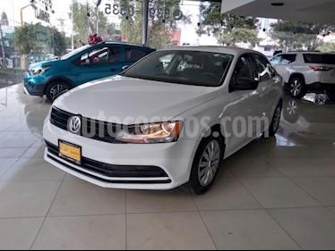 Volkswagen Jetta 4P 2.0L 115HP AT R-16 usado (2018) color Blanco precio $195,000