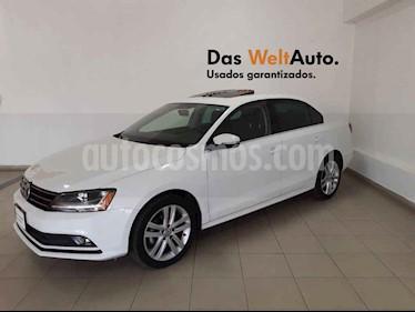 Volkswagen Jetta 4p Sportline L5/2.5 Aut usado (2018) color Blanco precio $289,989
