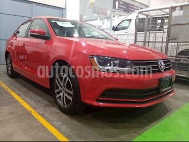 Volkswagen Jetta Trendline usado (2017) color Rojo Tornado precio $249,000