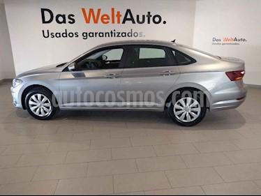 Volkswagen Jetta 4p Trendline L4/1.4/T Aut usado (2019) color Plata precio $292,500