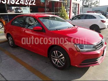 Volkswagen Jetta 4p Trendline L5/2.5 Man usado (2018) color Rojo precio $220,000