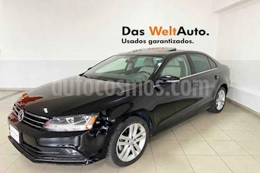 Volkswagen Jetta 4p Sportline L5/2.5 Aut usado (2018) color Naranja precio $274,841