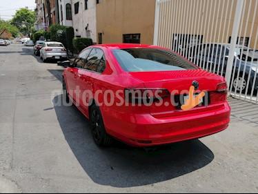 Volkswagen Jetta 2.0 usado (2016) color Rojo precio $157,000