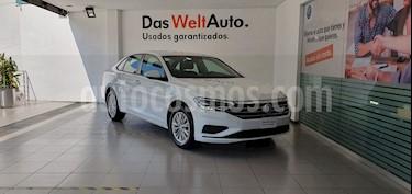 Volkswagen Jetta Comfortline usado (2019) color Blanco precio $299,000