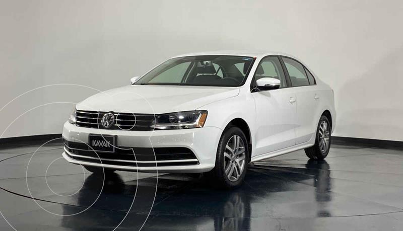 Foto Volkswagen Jetta Trendline usado (2017) color Blanco precio $240,999