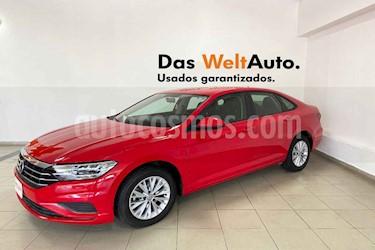Volkswagen Jetta 4p Comfortline L4/1.4/T Aut usado (2019) color Rojo precio $289,400