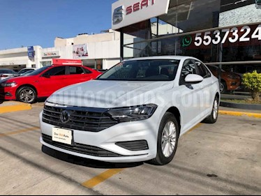 Foto Volkswagen Jetta Comfortline Tiptronic usado (2019) color Blanco precio $310,000