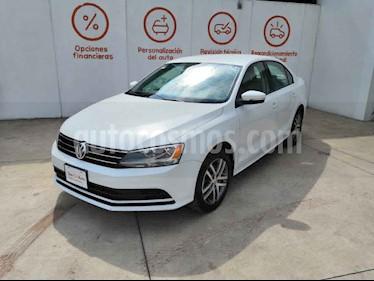 Foto Volkswagen Jetta 4p Trendline L5/2.5 Aut usado (2015) color Blanco precio $212,000