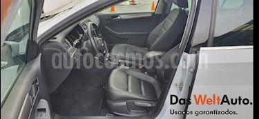 Volkswagen Jetta Sportline Tiptronic usado (2018) color Blanco precio $305,000