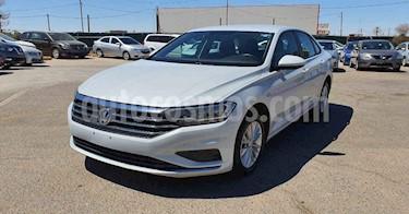 Volkswagen Jetta 4p Comfortline L4/1.4/T Aut usado (2019) color Blanco precio $224,800