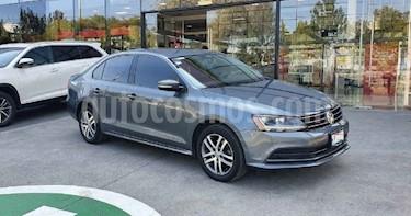 Volkswagen Jetta 4p Style L5/2.5 Aut usado (2017) color Gris precio $212,000