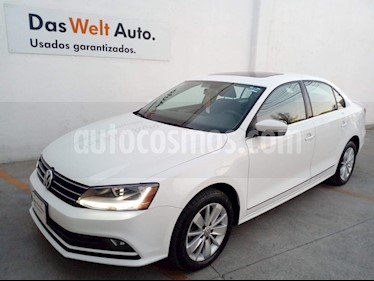 Volkswagen Jetta Comfortline usado (2018) color Blanco precio $230,000