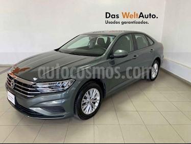 Foto Volkswagen Jetta 4p Comfortline L4/1.4/T Aut usado (2019) color Verde precio $298,007