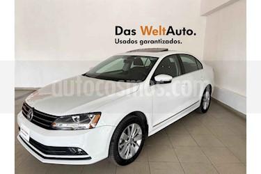 Volkswagen Jetta 4p Comfortline L5/2.5 Aut usado (2018) color Blanco precio $247,738