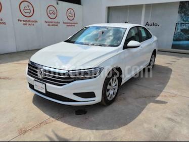 Volkswagen Jetta 4p Trendline L4/1.4/T Man usado (2019) color Blanco precio $298,000
