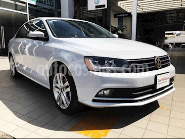 Volkswagen Jetta 4p Sportline L5/2.5 Aut usado (2018) color Blanco precio $262,000