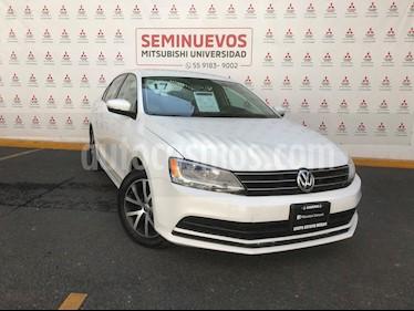 Volkswagen Jetta Fest Tiptronic usado (2017) color Blanco precio $235,000