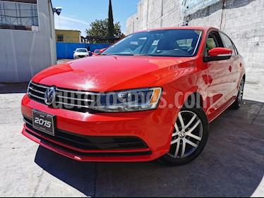 Volkswagen Jetta Trendline usado (2015) color Rojo Tornado precio $180,000