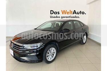 foto Volkswagen Jetta 4p Comfortline L4/1.4/T Man usado (2019) color Negro precio $269,514