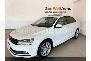 Volkswagen Jetta 4p Sportline L5/2.5 Aut usado (2018) color Blanco precio $285,989