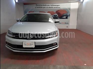 Volkswagen Jetta Sportline Tiptronic usado (2017) color Plata Lunar precio $245,000