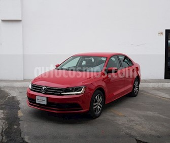 Volkswagen Jetta Trendline Tiptronic usado (2018) color Rojo precio $243,000