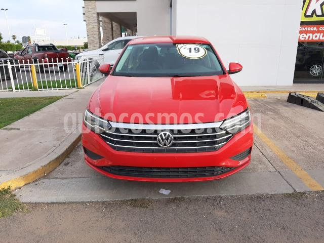 Volkswagen Jetta 4P CONFORTLINE L4/1.4/T AUT usado (2019) color Rojo precio $295,000