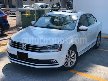 Volkswagen Jetta Comfortline usado (2017) color Blanco precio $230,000