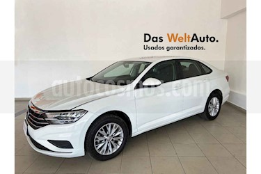 Volkswagen Jetta 4p Comfortline L4/1.4/T Aut usado (2019) color Blanco precio $299,381