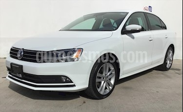 Volkswagen Jetta Sportline Tiptronic usado (2016) color Blanco precio $230,000