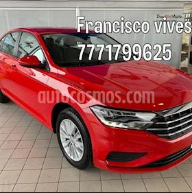 Foto Volkswagen Jetta Comfortline usado (2019) color Rojo precio $324,900