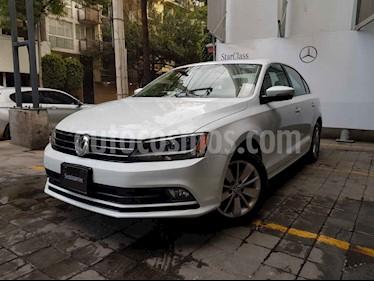 Volkswagen Jetta 4p Comfortline L5/2.5 Aut usado (2016) color Blanco precio $225,000