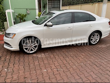 Volkswagen Jetta Sportline Tiptronic usado (2017) color Blanco precio $265,000