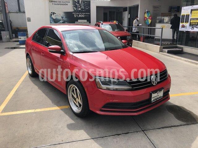 Volkswagen Jetta Trendline 2.0 usado (2017) color Rojo Salsa precio $215,000