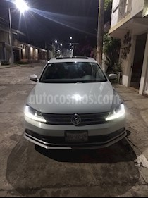 Volkswagen Jetta Sportline usado (2017) color Plata Lunar precio $221,000