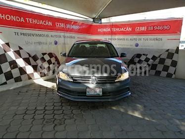 Volkswagen Jetta Trendline usado (2017) color Gris Platino precio $220,000