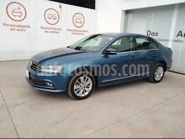 Volkswagen Jetta 4p Comfortline L5/2.5 Aut usado (2018) color Azul precio $267,000