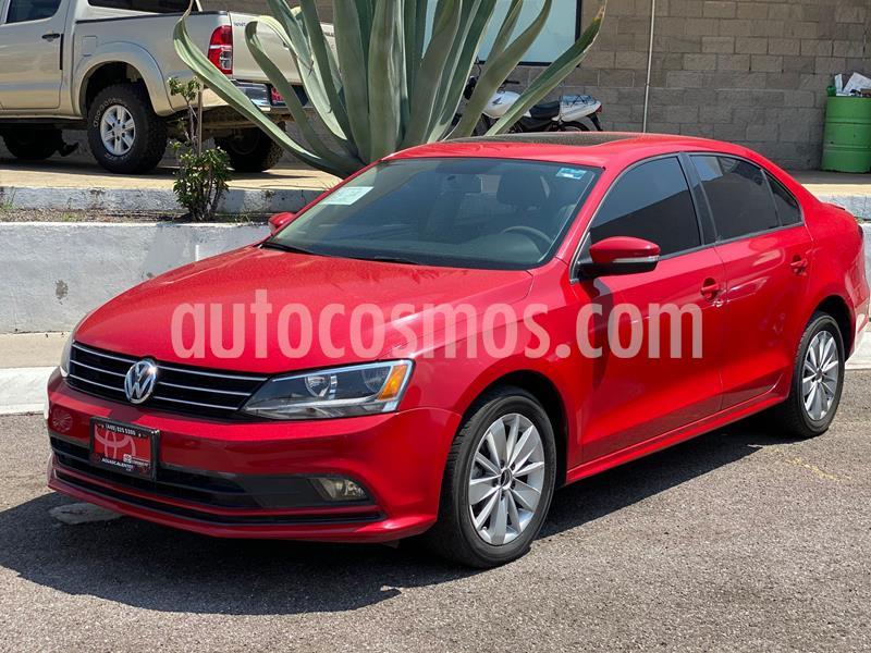 Volkswagen Jetta Trendline usado (2015) color Rojo precio $200,000