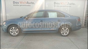 Volkswagen Jetta 4p Comfortline L5/2.5 Aut usado (2018) color Azul precio $275,000